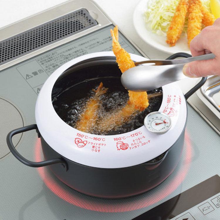 日本 YOSHIKAWA吉川 連溫度計防濺油炸鍋 20厘米 (IH對應)